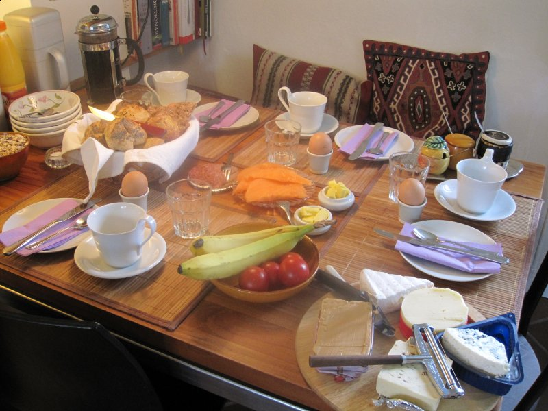 The B&B-House - Breakfast-table